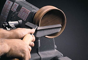 90 Degree Tool Rest For Continuous Cuts From Outside To Inside Surfaces
