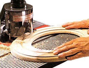 The special see-through Speed Increaser Shield (included) hooks to your DC-3300 dust collector or a shop vacuum and does an amazing job of capturing flying dust and debris